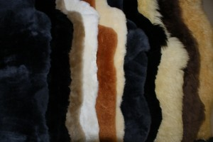 Накидка натуральная, мех мутон натуральный черный